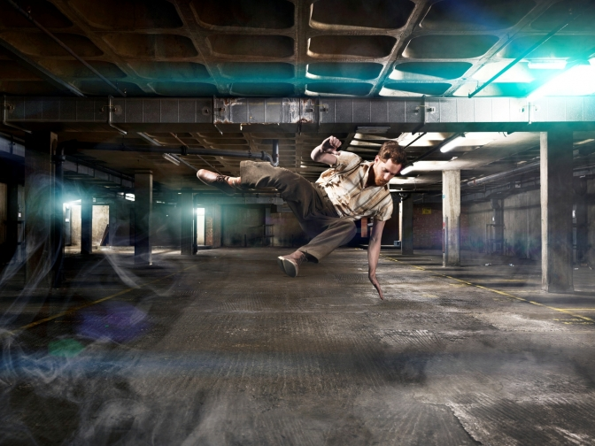 drowned_man_performer-paul_zivkovich_photo_perou