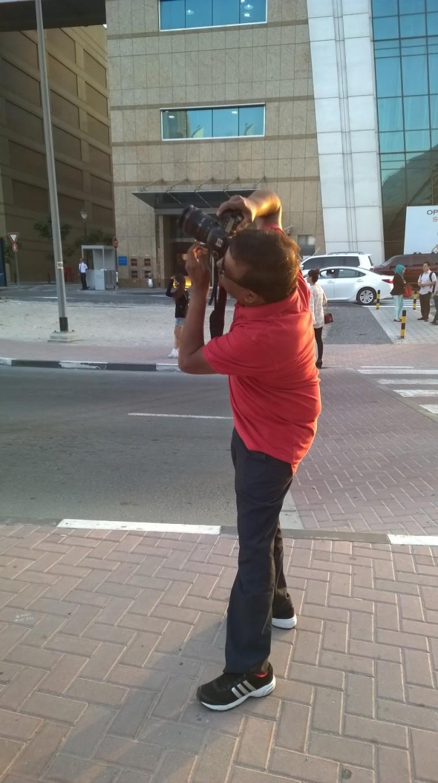 Try to capture Burj Khalifa